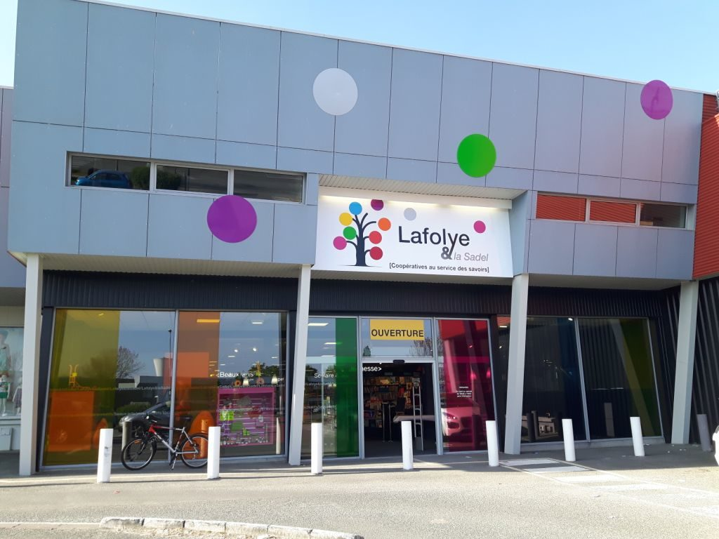 La Sadel achète la librairie Lafolye